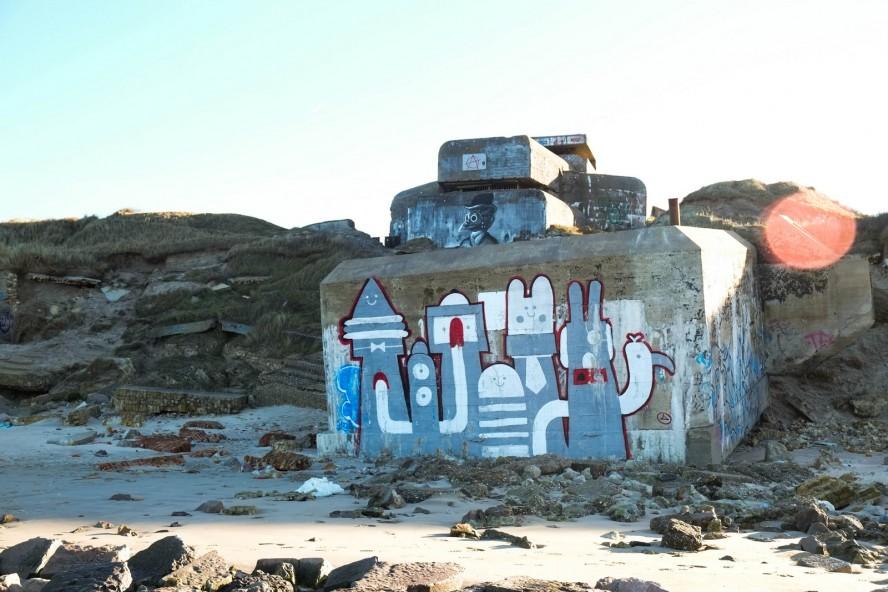 stencil - plotbot ken / graffiti - künstler unbekannt