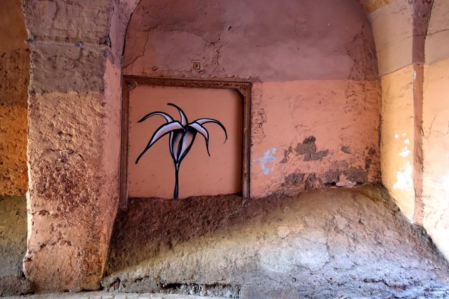 graffiti marrakech hidden flower