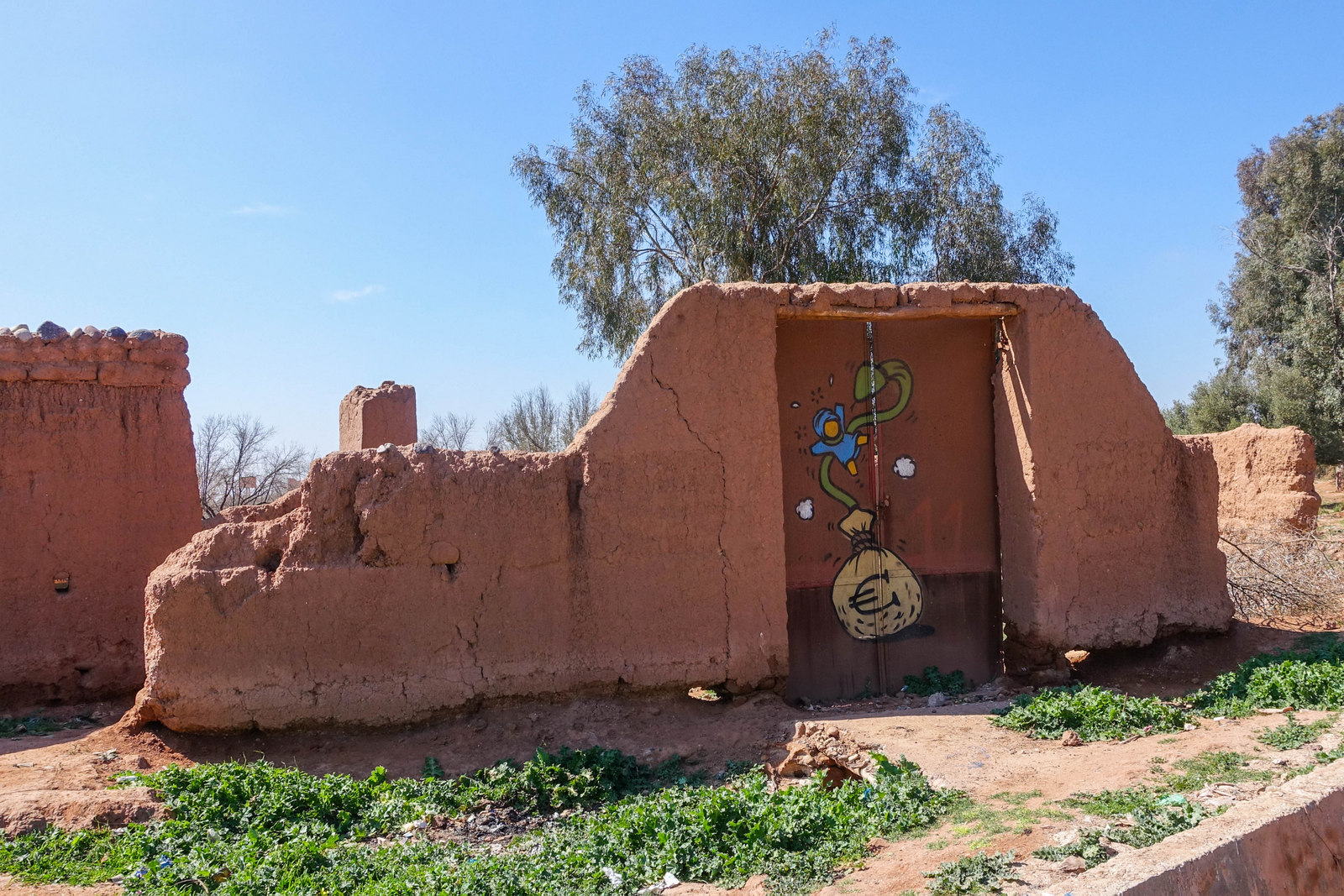 jardin rouge – streetart in den umliegenden dörfern