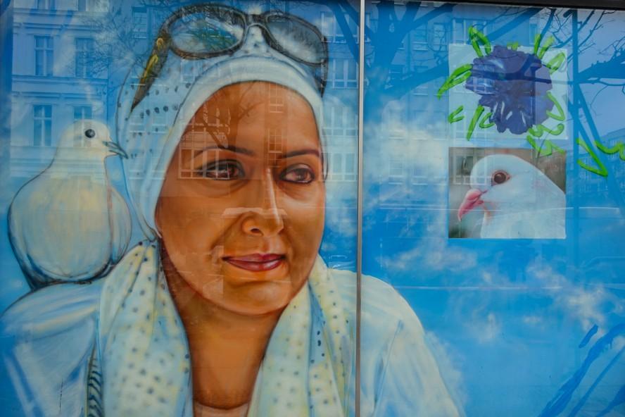 streetart | gaia | urban nation . bülowstrasse - berlin