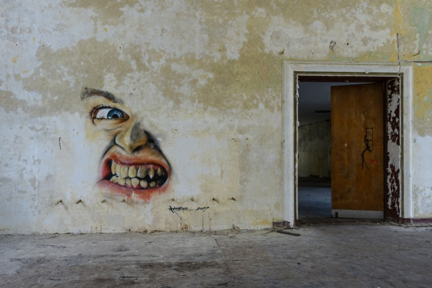 graffiti - adnate - geisterstadt vogelsang - verlassene russische kaserne