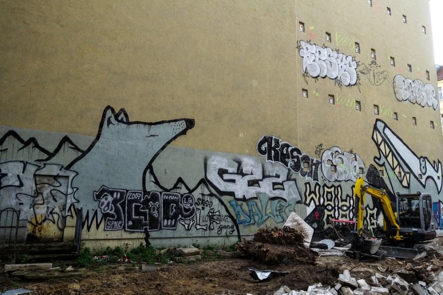 streetart - wolf gang / gzz - prenzlauer berg . berlin