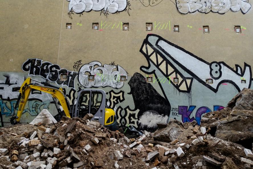 streetart - wolf gang / kora - prenzlauer berg . berlin