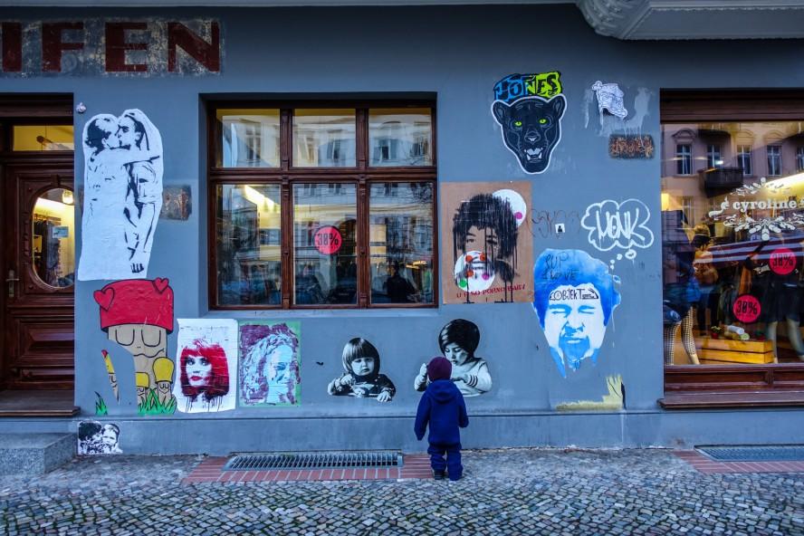 paste up - streetart - oderberger strasse
