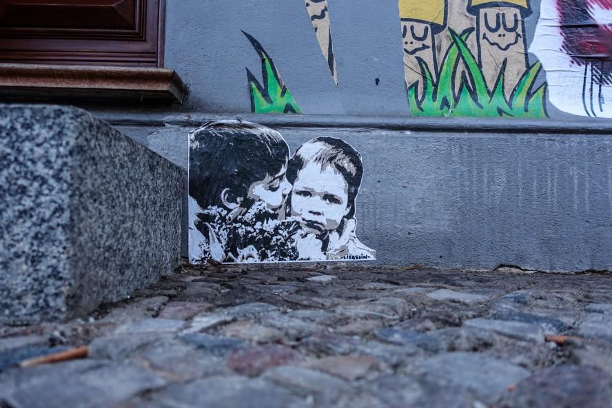 paste up - liebsein - streetart - oderberger strasse . berlin