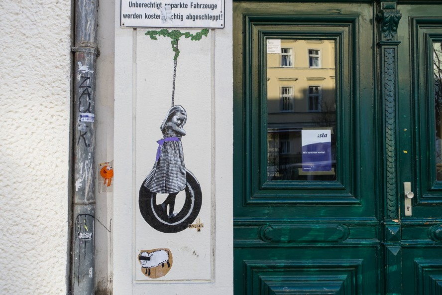 paste up - streetart - oderberger strasse . berlin