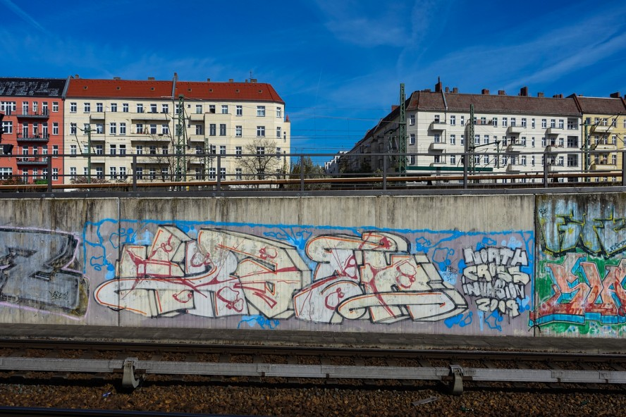 graffiti - bornholmer brücke, berlin - wedding