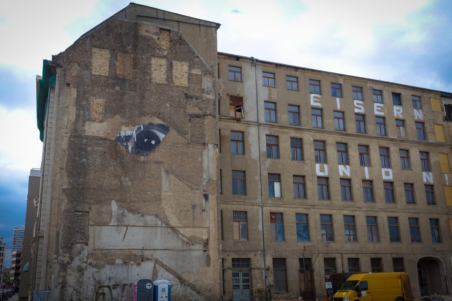 "streetart, jr ""wrinkles of the city"", berlin"
