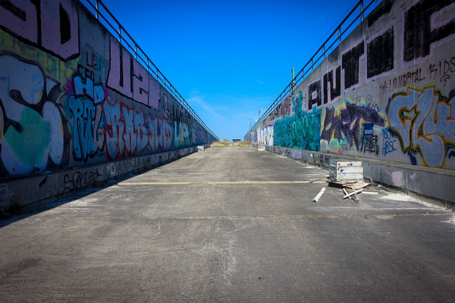 urbex - graffiti - tunnel wedding