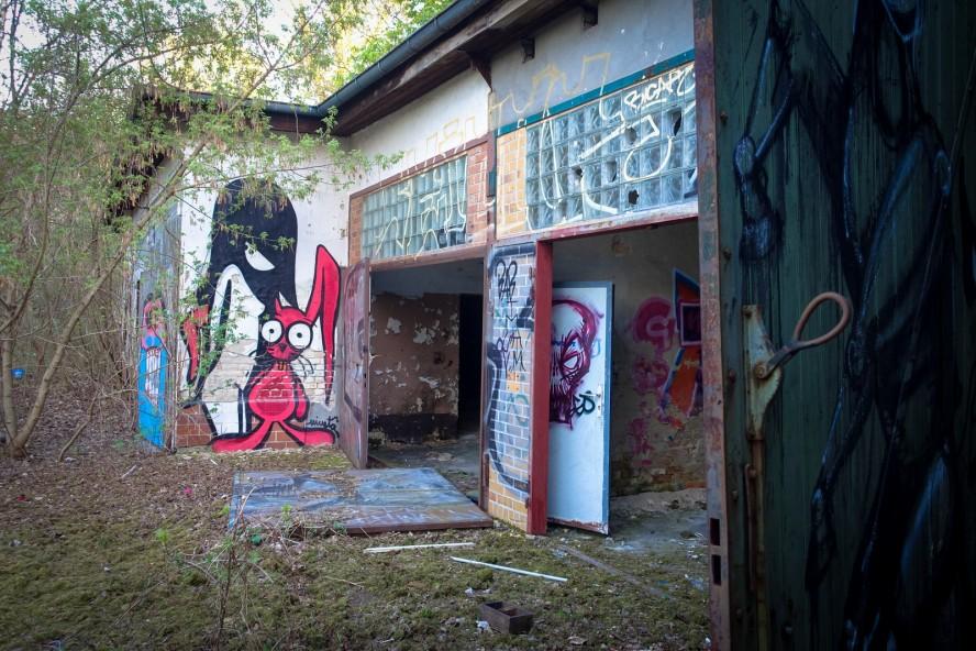streetart - nineta - urbex - ehemaliges kinderklinik - weissensee