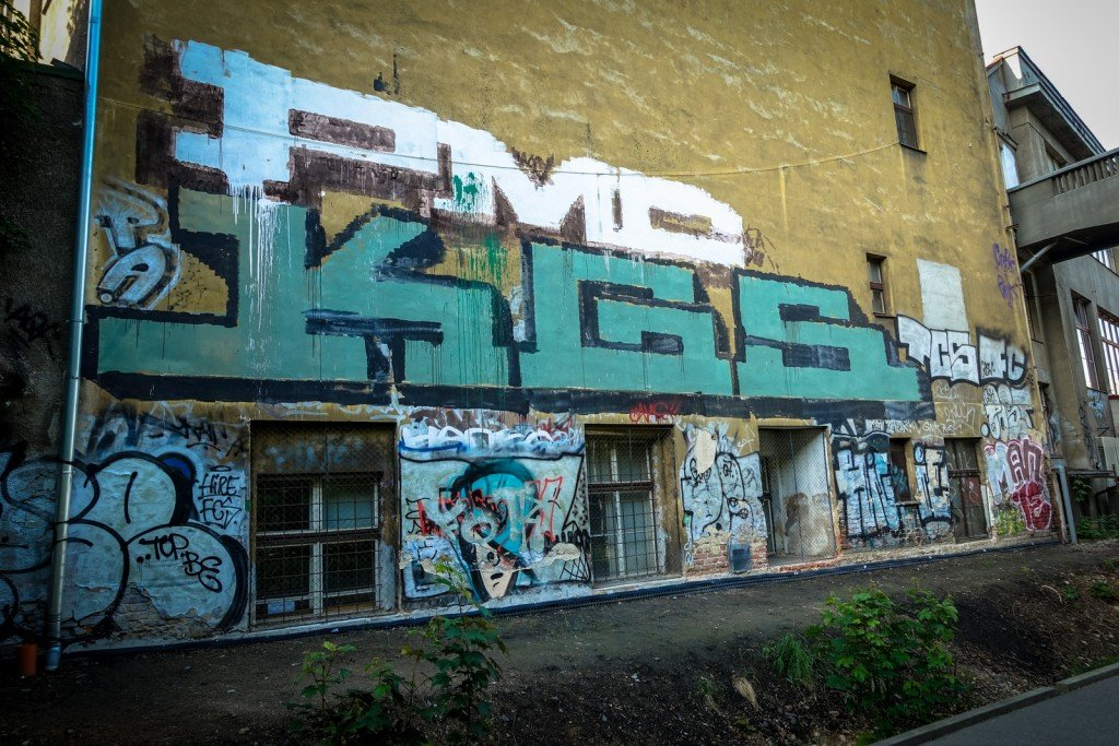 graffiti - pmc, kgs - prague, husitská