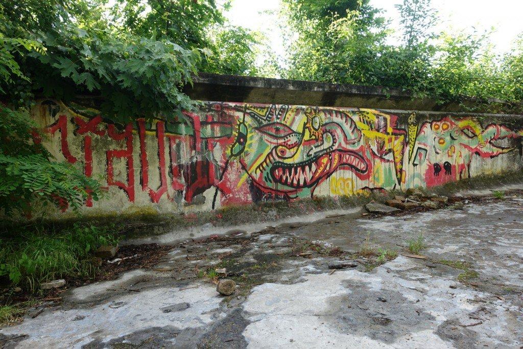 urbex, street art - schwimmbad - prag, zbraslavská