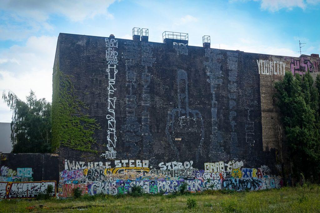 mural - overpainted the overpaint - blu, berlin kidz, alaniz - berlin