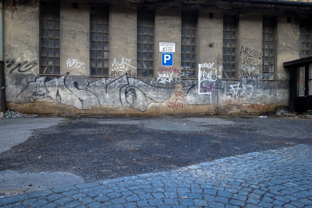 graffiti - cosmo - prague, florenc