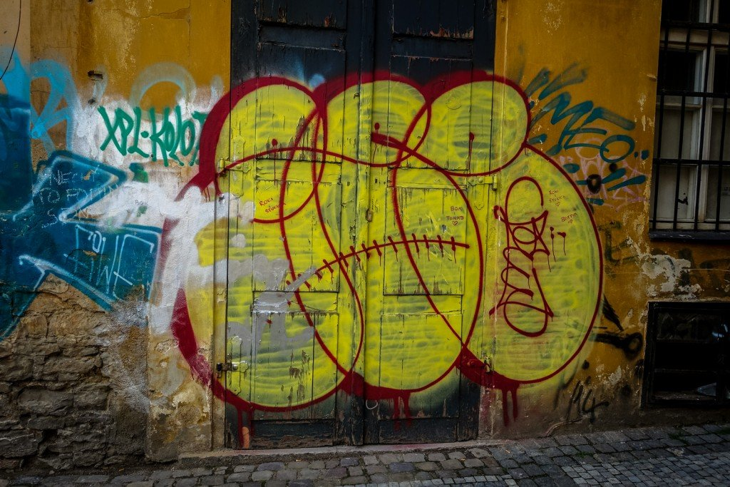 graffiti - gee - prague, florenc