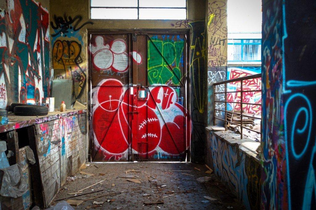 graffiti - gee - prague, trafačka