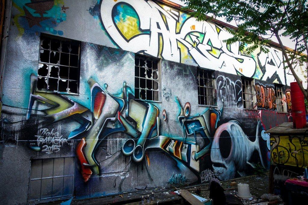 graffiti - cakes, ??? - prague, trafačka