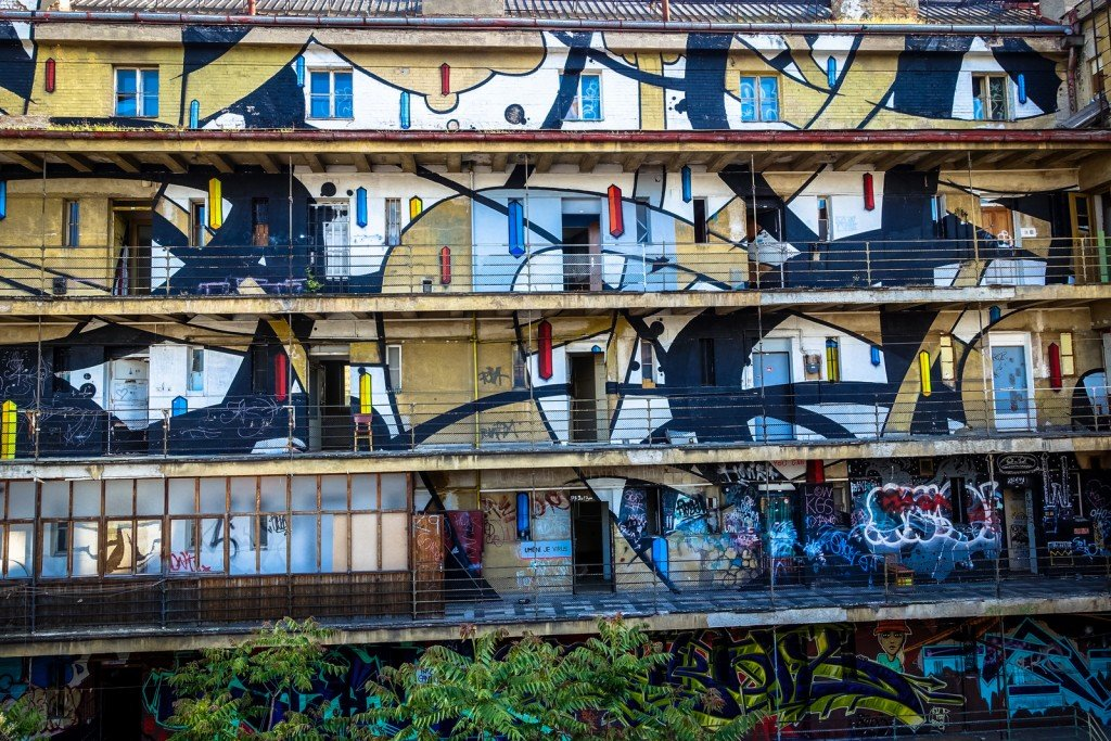 mural - prague, trafačka