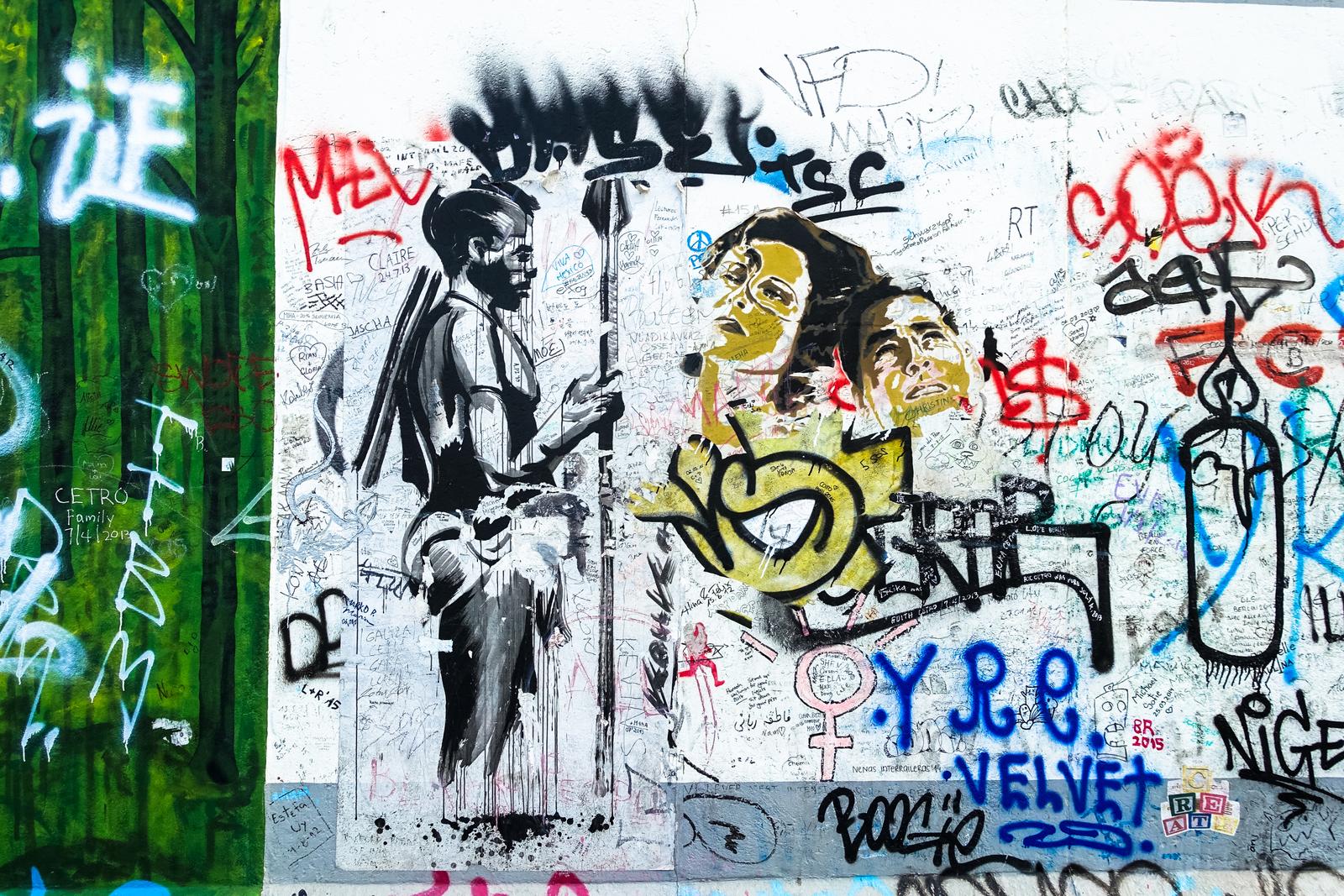 urban art kouka berlin east side gallery urbanpresents. Black Bedroom Furniture Sets. Home Design Ideas