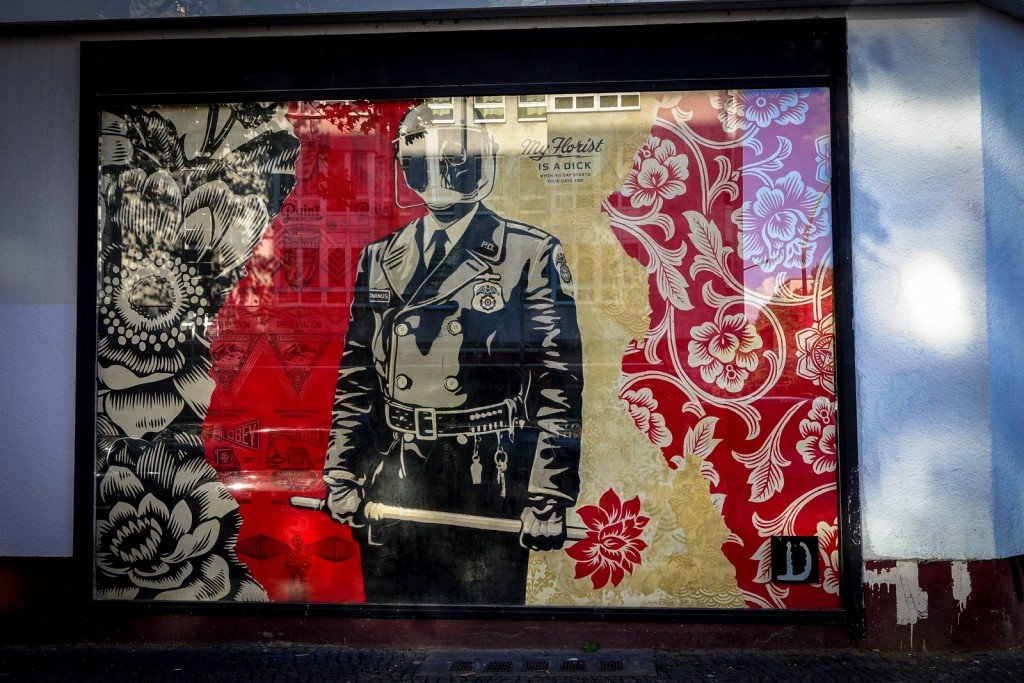 "urban art - shepard fairey - berlin, bülowstrasse - ""urban nation"""