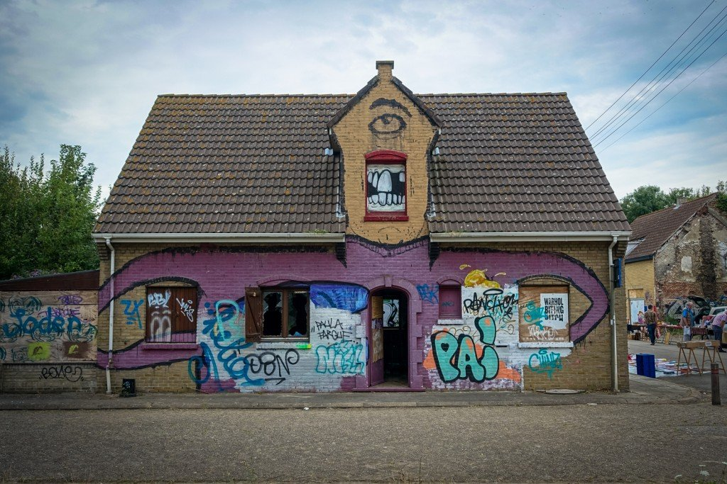 urban art - geisterdorf doel, belgium