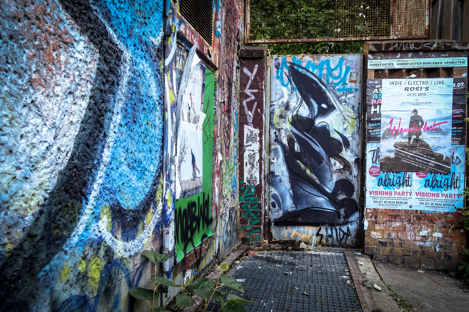 urban art an der raw tempel & wilder hase, berlin