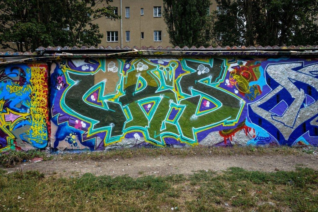 graffiti - crs - bornholmer garagen, berlin