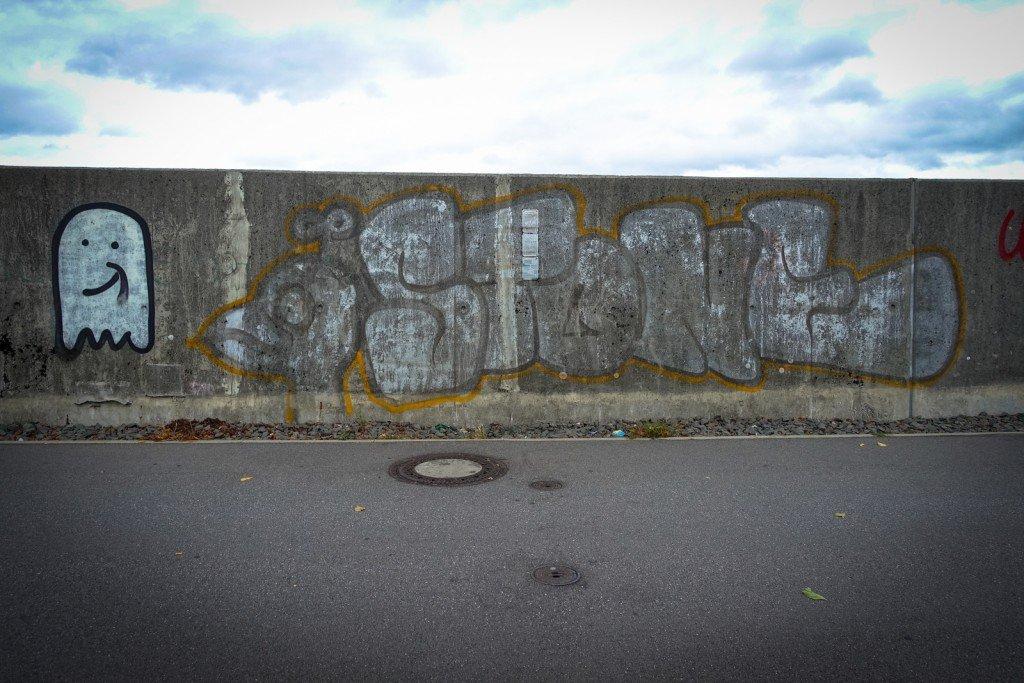graffiti - stone - hamburg, steinwerder