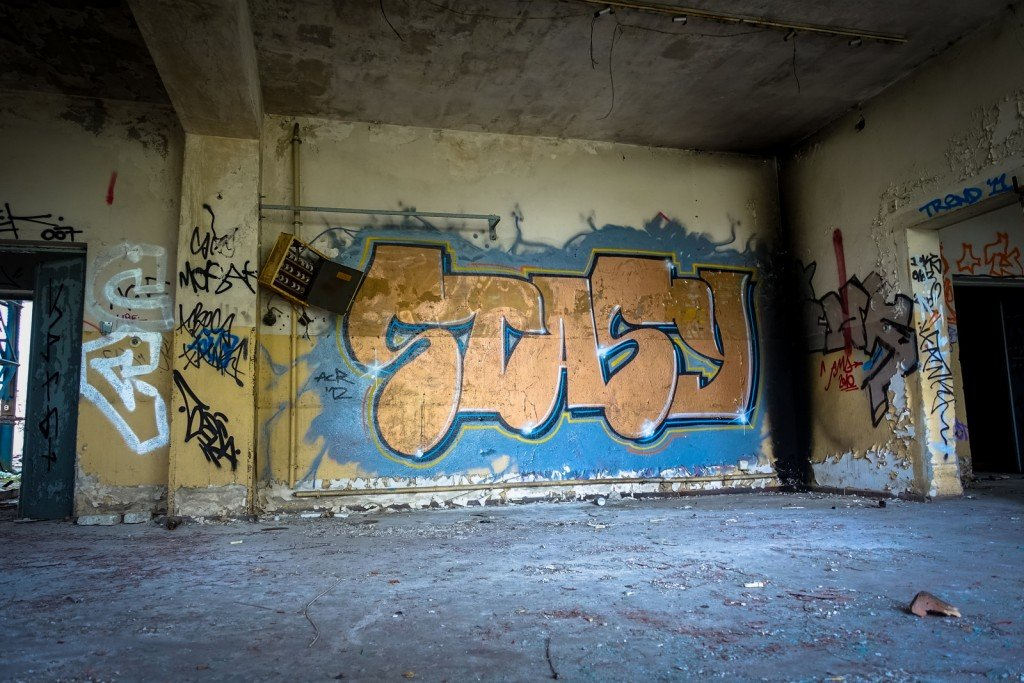 urbex - graffiti - stasy -  johannistal air field