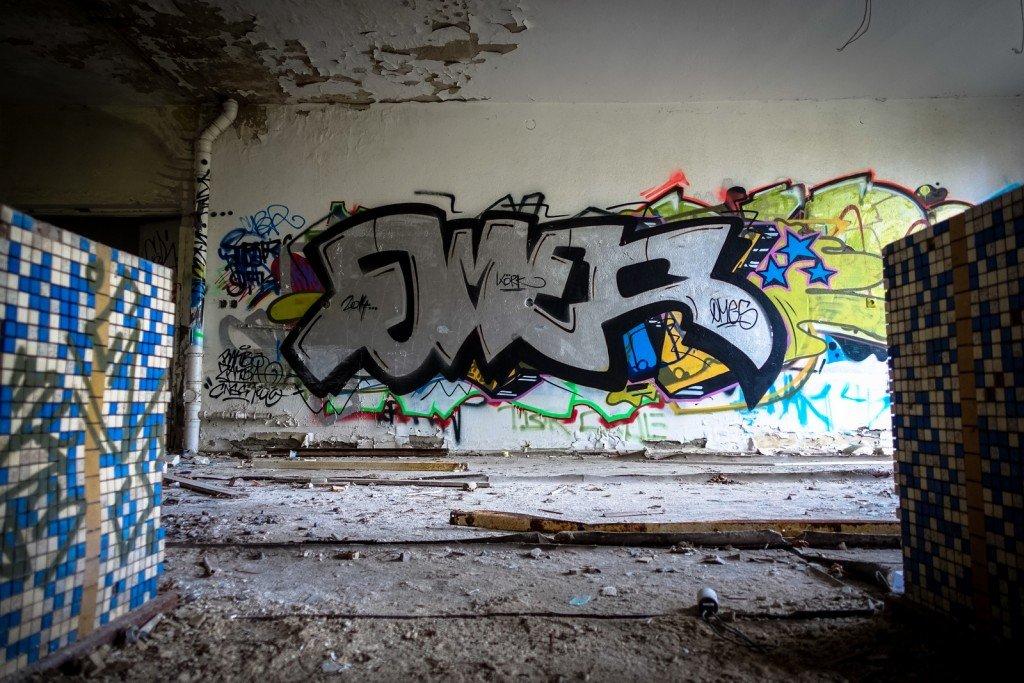 urbex - graffiti - omes - johannistal air field