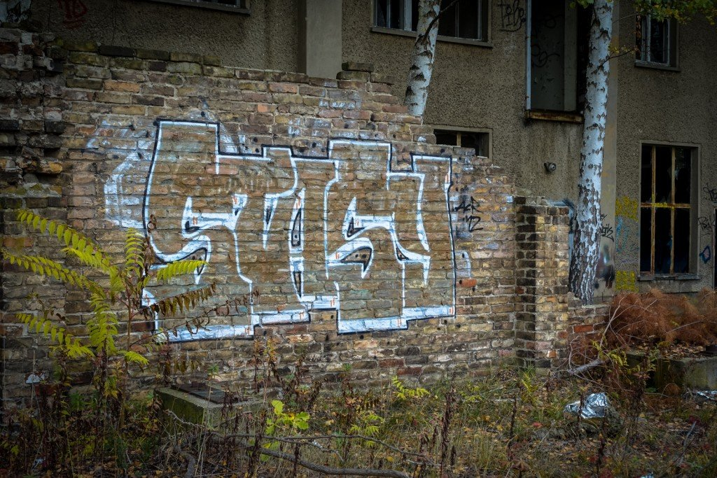 urbex - graffiti - stasy - johannisthal air field