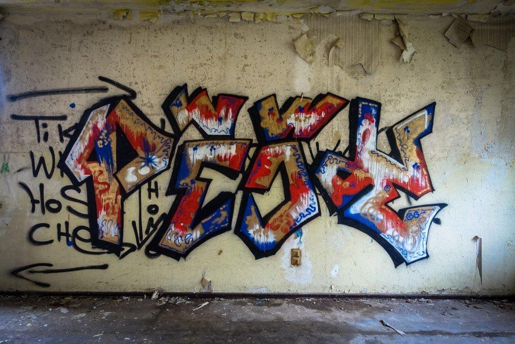 urbex - graffiti -  johannisthal air field