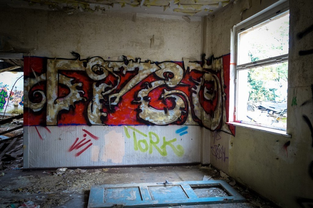 urbex - graffiti -  johannisthal air field
