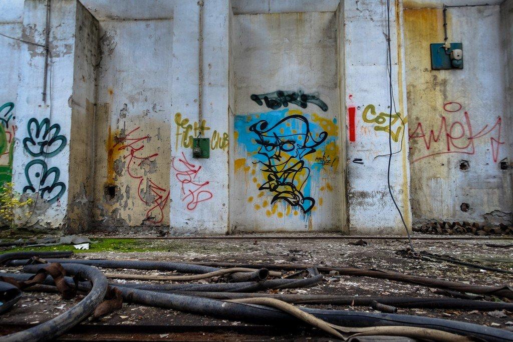 urbex - graffiti - krisiz - johannisthal air field