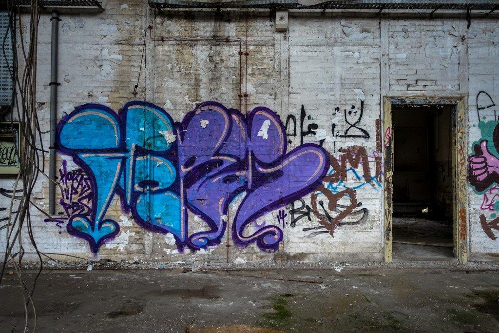 urbex - graffiti - horas - johannisthal air field