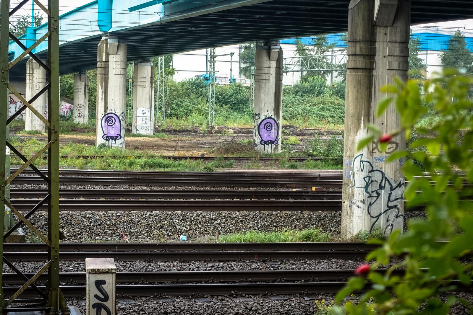 entlang die gleisen, zwischen hamburg-wilhelmsburg und -veddel