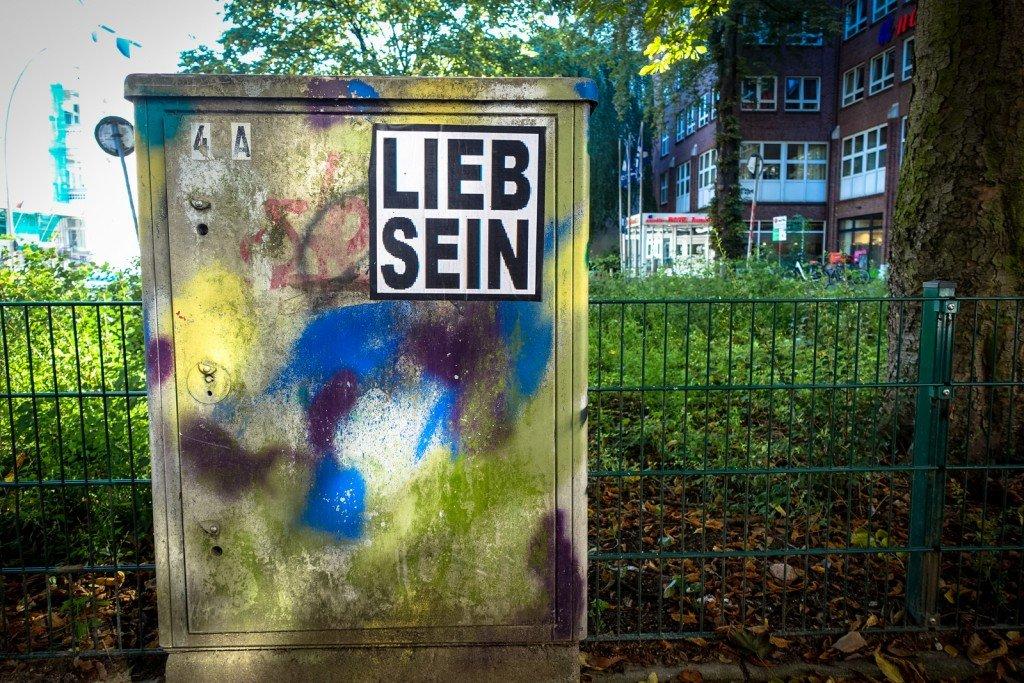 paste up - lieb sein - hamburg