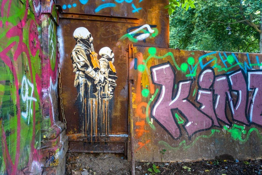 streetart - plotbot ken - hamburg, sternschanze rote flora