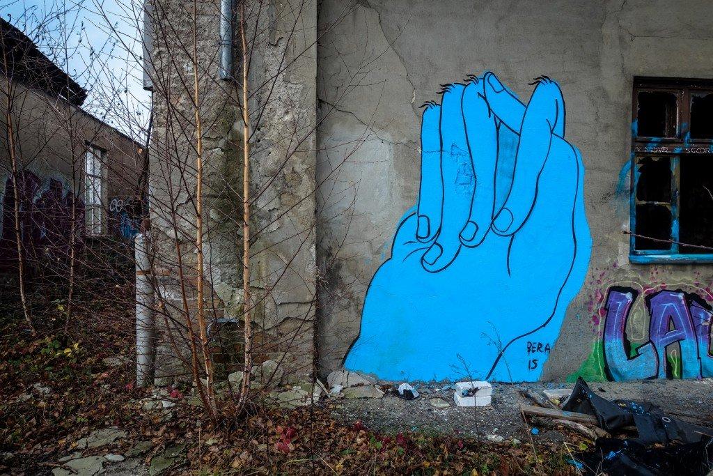 graffiti urbex - bera - flugzeughallen berlin, karlshorst