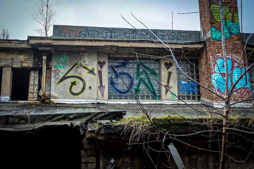 urbex art - sissi - flugzeughallen berlin, karlshorst