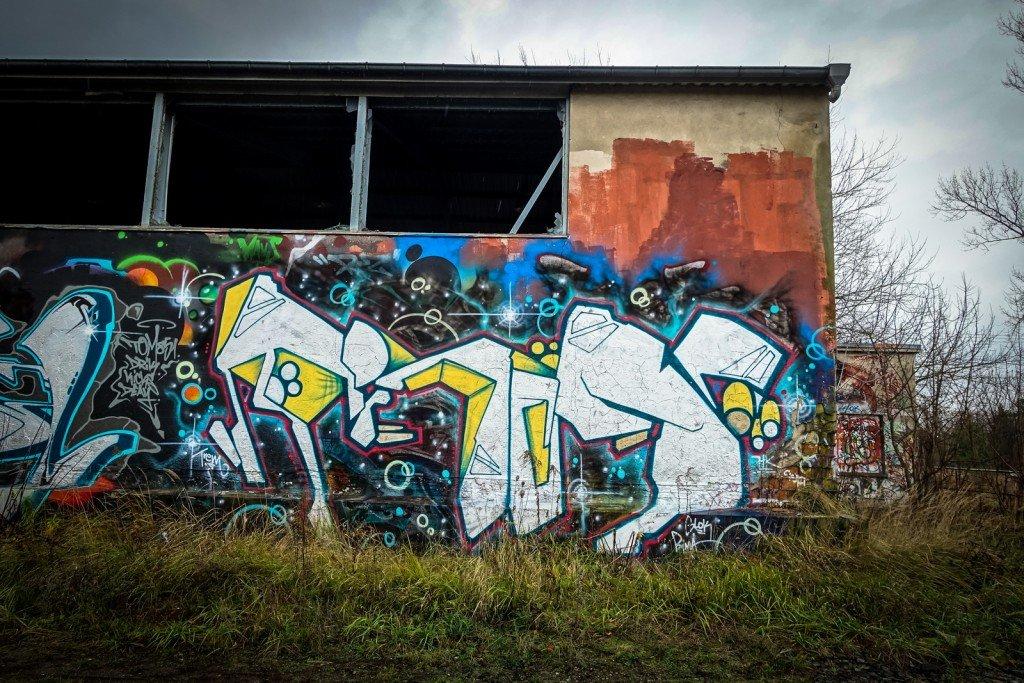 urbex art graffiti - trem -  db gelände - berlin, biesdorf-süd
