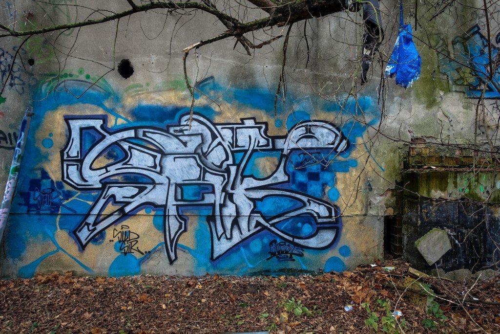urbex art graffiti - saik - db gelände - berlin, biesdorf-süd