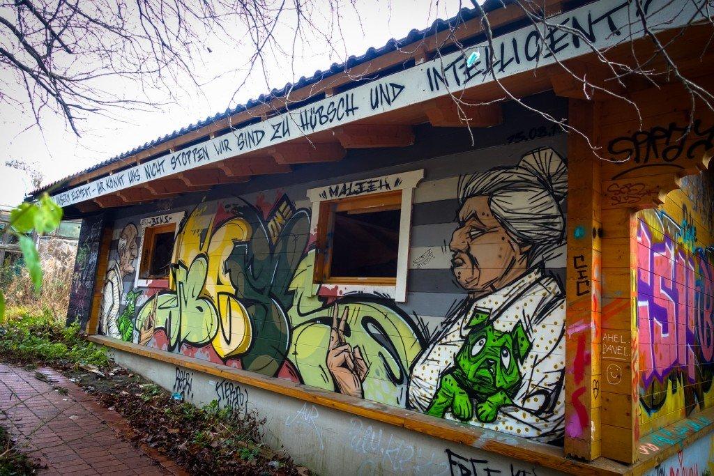 urbex graffiti - maleek, beks - erlebnisbad blub - berlin-britz