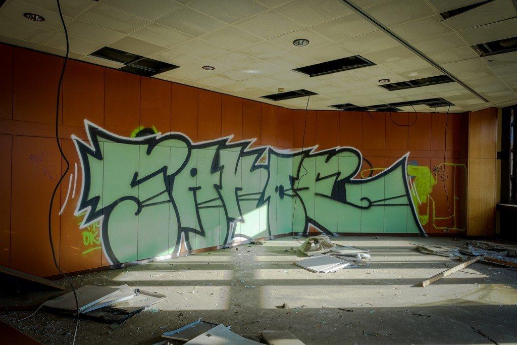 graffiti urbex - sakoe - ehemaliges sporthotel, sportforum, berl