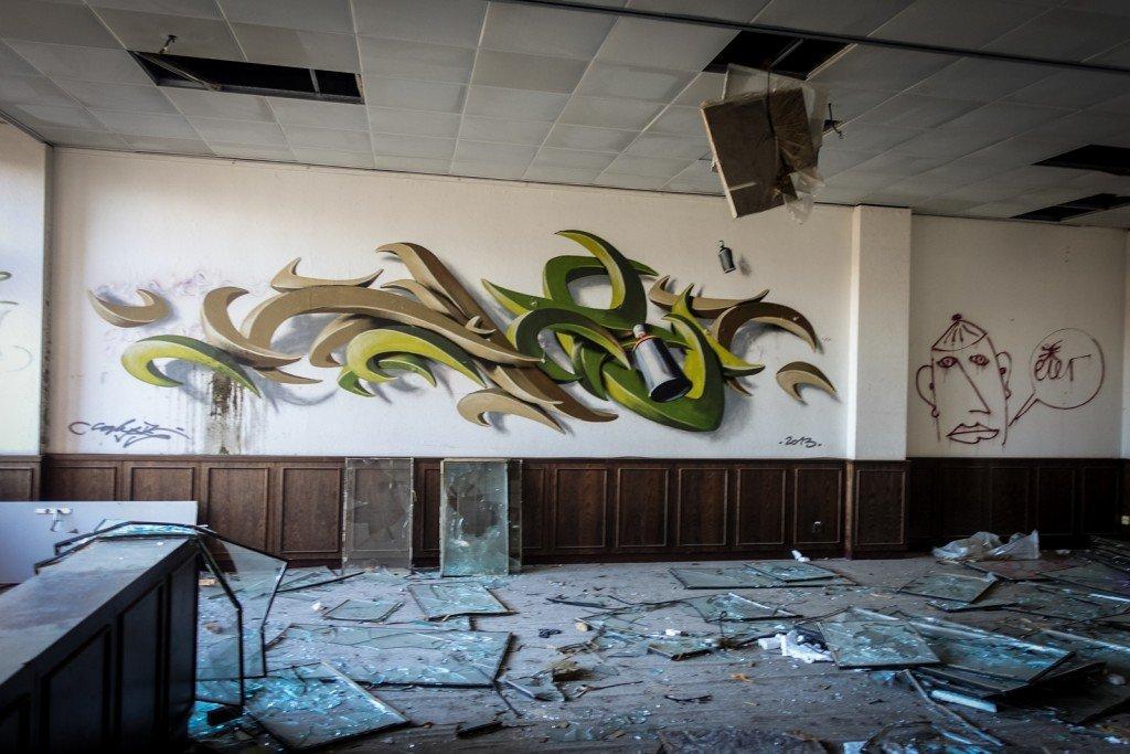graffiti urbex - caligr / tpn - ehemaliges sporthotel, sportforu