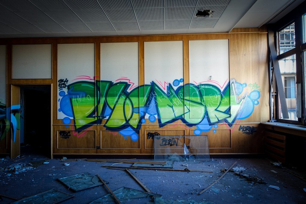 graffiti urbex - risc, morne -  ehemaliges sporthotel, sportforu