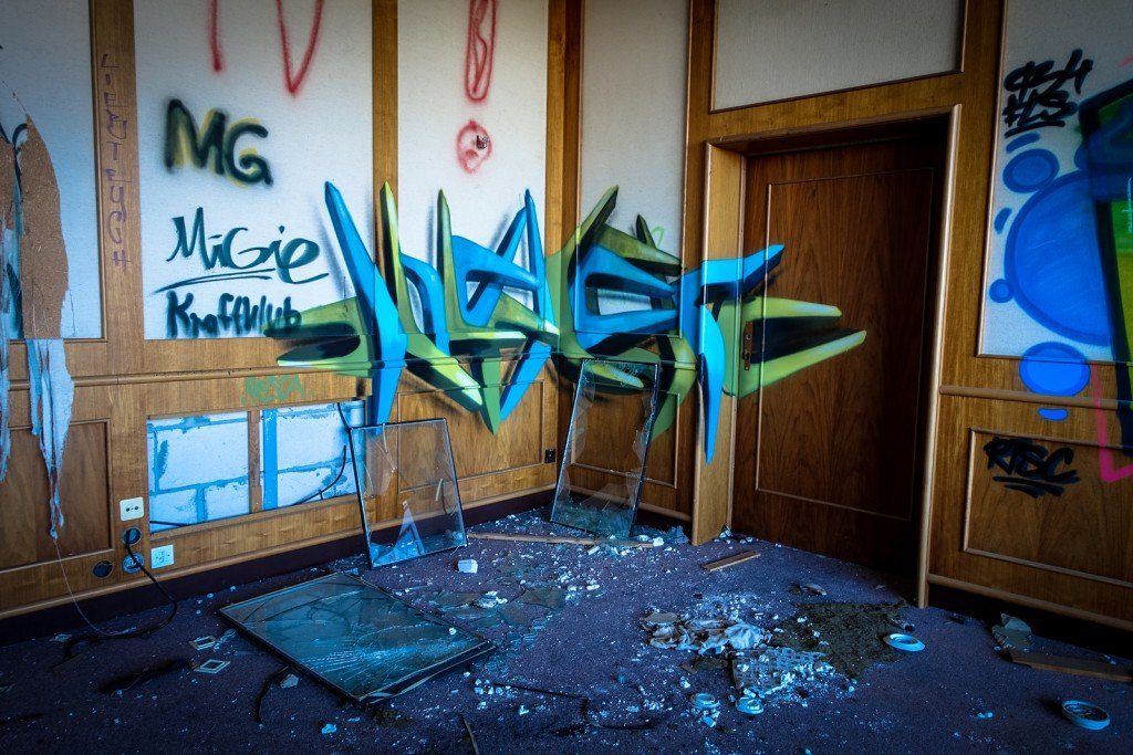 graffiti urbex - ehemaliges sporthotel, sportforum, berlin