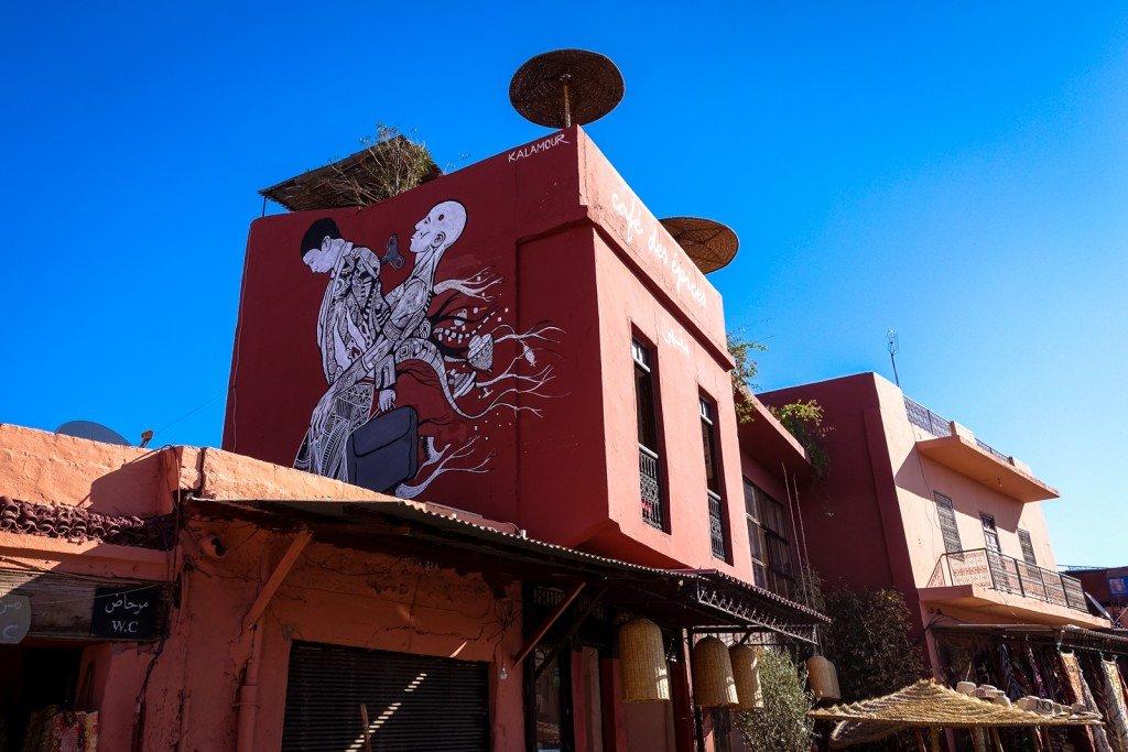 mural - kalamour - marrakech, place des epices