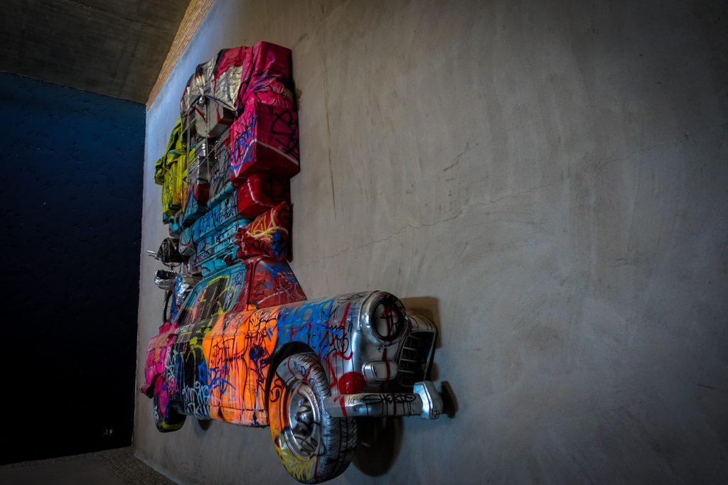 tilt 'voyage aller' - jardin rouge, marrakech biennale