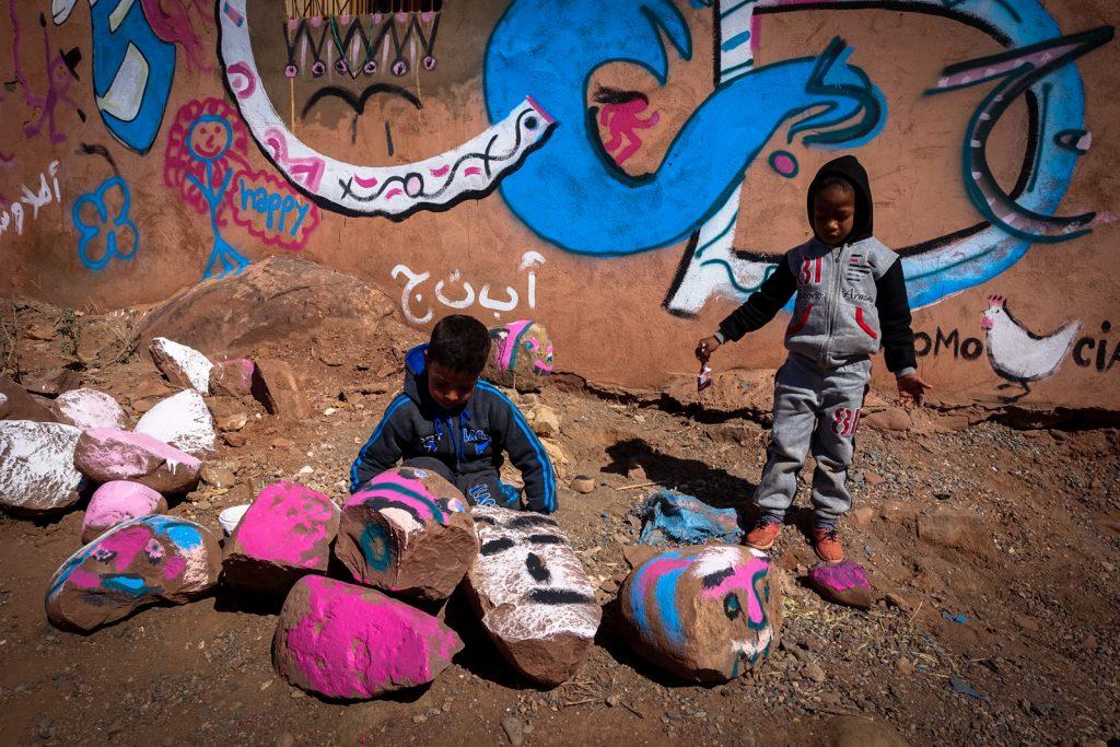 painting village school - abury & mb6streetart